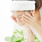 ニキビを防ぐ!ピーリング洗顔におすすめの洗顔料はコレ!